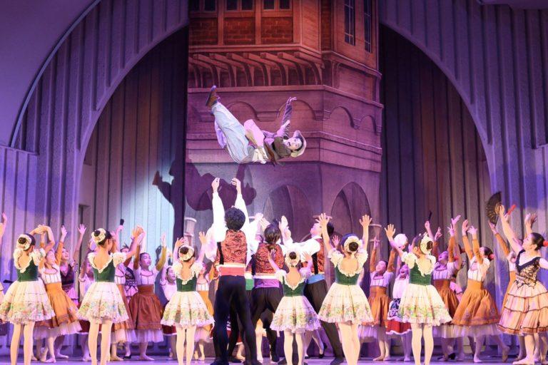 古典を踊る(Don Quixoteより サンチョパンサ 役) 金海sisters' Ballet Progect photo 新井信男・田村有希子